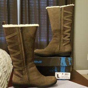 Teva Figueroa Boots